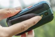 世界最小のAndroidスマホ「Jelly 2」が5月31日発売。価格は2万4999円